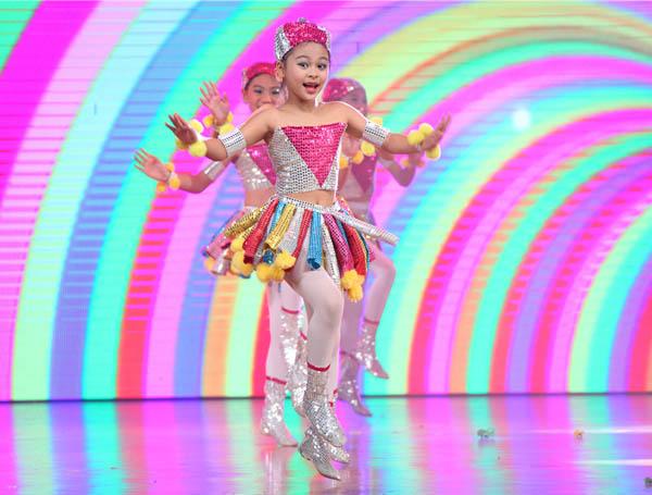 不仅此类大型儿童舞蹈诗省内首次出现